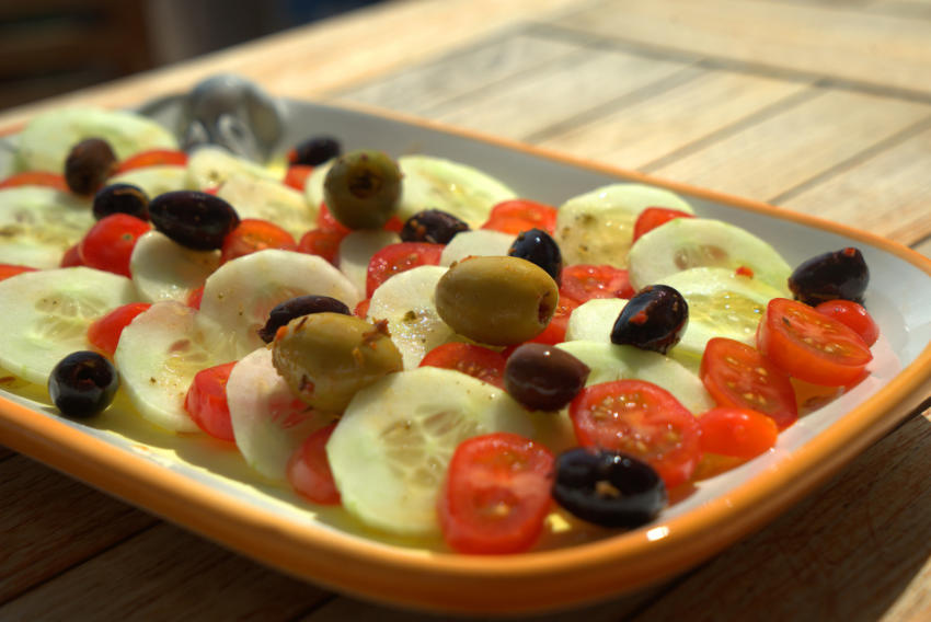 Tomate concombre olives